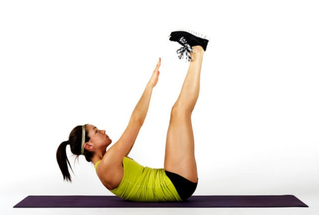 skimble-workout-trainer-exercise-vertical-leg-crunches-4_iphone